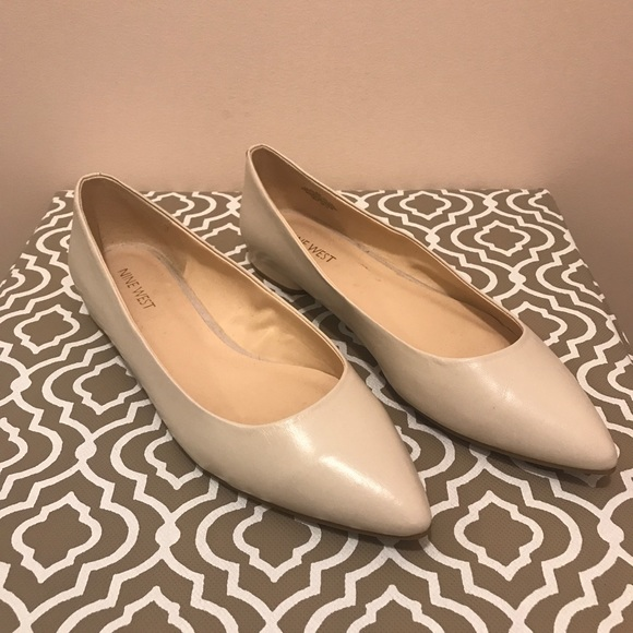 Onlee Pointy Toe Flats Never Worn